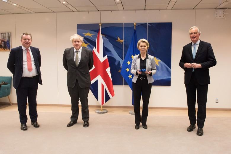 David Frost, Boris Johnson, Ursula von der Leyen et Michel Barnier lors d'une rencontre à la Commission européenne, à Bruxelles, le 9 décembre 2020 - Crédits : Etienne Ansotte / Commission européenne