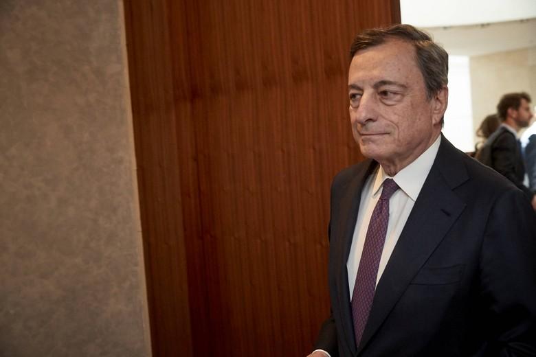 Âgé de 73 ans, l'ancien président de la Banque centrale européenne aura notamment pour mission de trouver un consensus sur la répartition des 209 milliards d'euros du plan de relance national