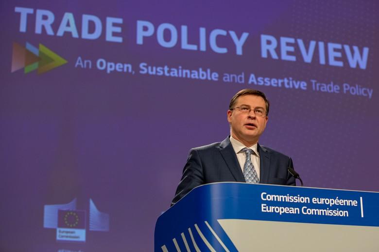 Le commissaire letton en charge du Commerce Valdis Dombrovskis a présenté une feuille de route établissant les ambitions de l'exécutif européen en matière commerciale pour la prochaine décennie