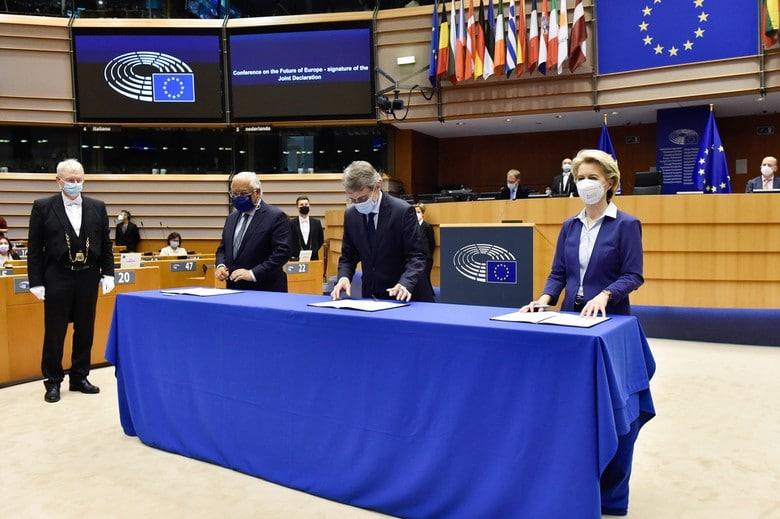 Antonio Costa, David Sassoli et Ursula von der Leyen à l'occasion de la signature le 10 mars 2021, d'une déclaration commune sur la Conférence sur l'avenir de l'Europe