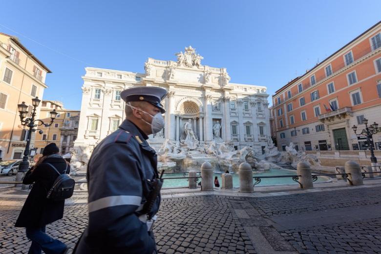 Le gouvernement italien songe à instaurer un nouveau confinement, qui viderait les rues de Rome comme en mars 2020
