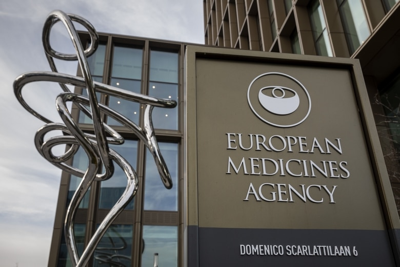 Emmanuel Macron a notamment annoncé que la France utilisera à nouveau les vaccins AstraZeneca