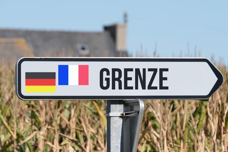 Le classement de la Moselle en zone à haut risque entraîne un retour des contrôles à la frontière avec l'Allemagne et des critiques de la part des élus locaux du département français