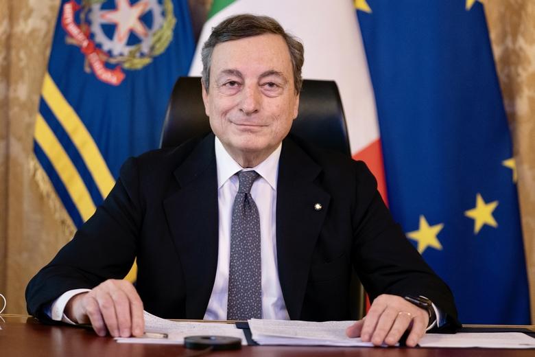 Mario Draghi est le premier chef d'Etat européen à bloquer une exportation de vaccins hors des frontières du continent