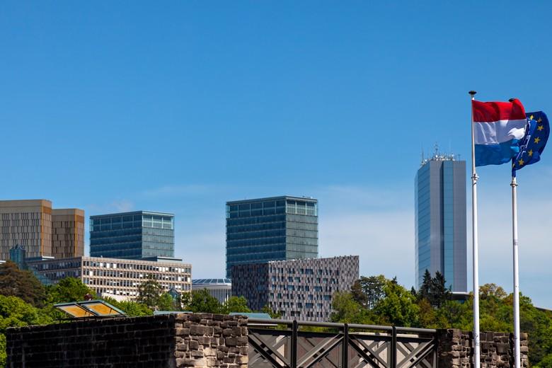 Une enquête conjointe de dix-sept médias internationaux révèle que la moitié des propriétaires des sociétés immatriculées au Luxembourg ne sont pas identifiés, contrairement à ce qu'exige la directive européenne sur la transparence