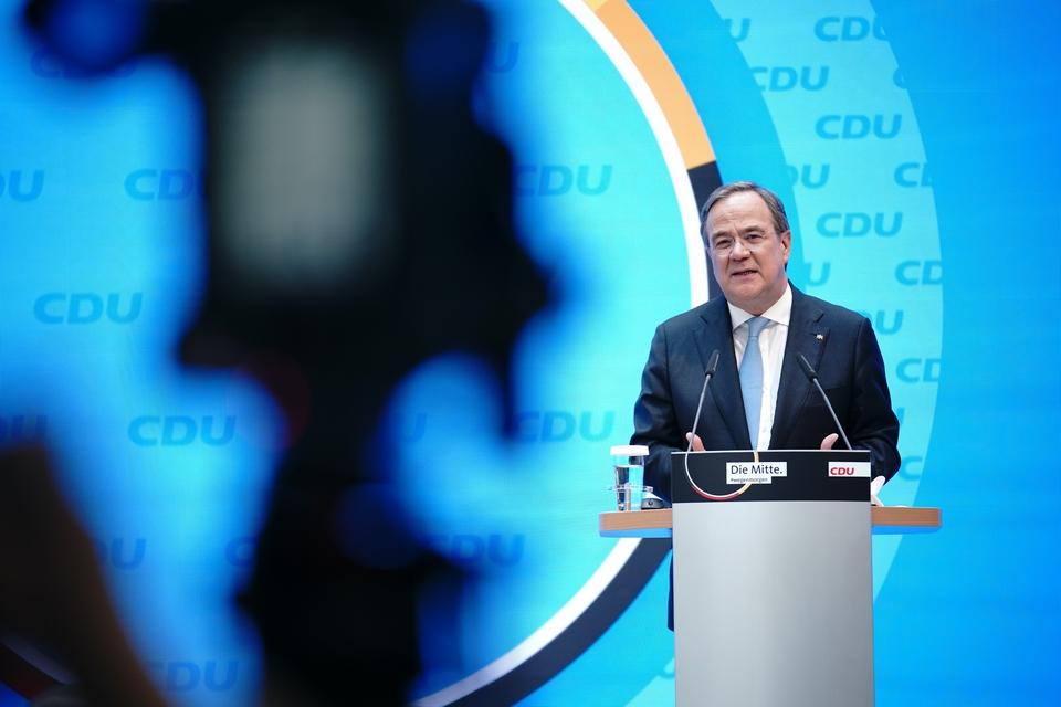 """Armin Laschet, le candidat des conservateurs pour succéder à Angela Merkel, a déclaré qu'il refusait de voir une coalition """"rouge-rouge-verte"""" diriger le pays - Crédits : Compte twitter CDU/CSU @cducsubt"""