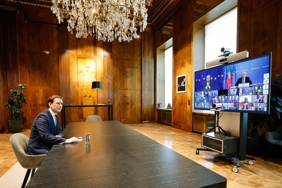 """Plusieurs négociateurs ont souligné """"l'égoïsme"""" du gouvernement de Sebastian Kurz lors des débats"""