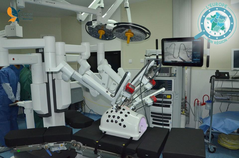 Le CHU de Martinique a inauguré en février un robot chirurgical pour faciliter le traitement de certains cancers