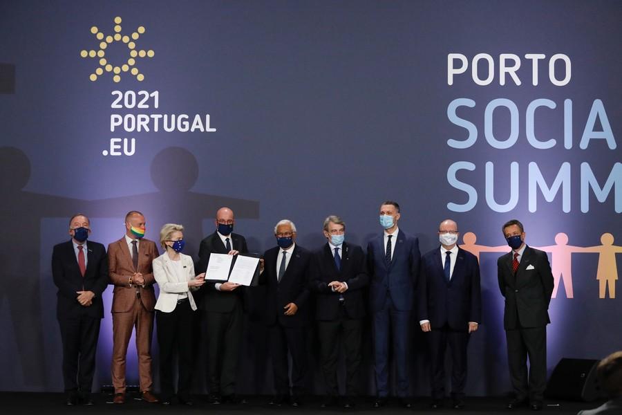 Ursula von der Leyen, Charles Michel, David Sassoli et Antonio Costa ont tous participé au sommet européen de Porto, qui avait pour but de fixer les ambitions sociales européennes d'ici à 2030 - Crédits : Commission européenne