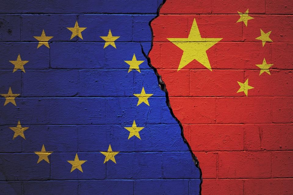 Certains Etats membres comme les Pays-Bas, l'Autriche, l'Italie et la Hongrie avaient exprimé des réserves sur la portée réelle de l'accord entre l'UE et la Chine