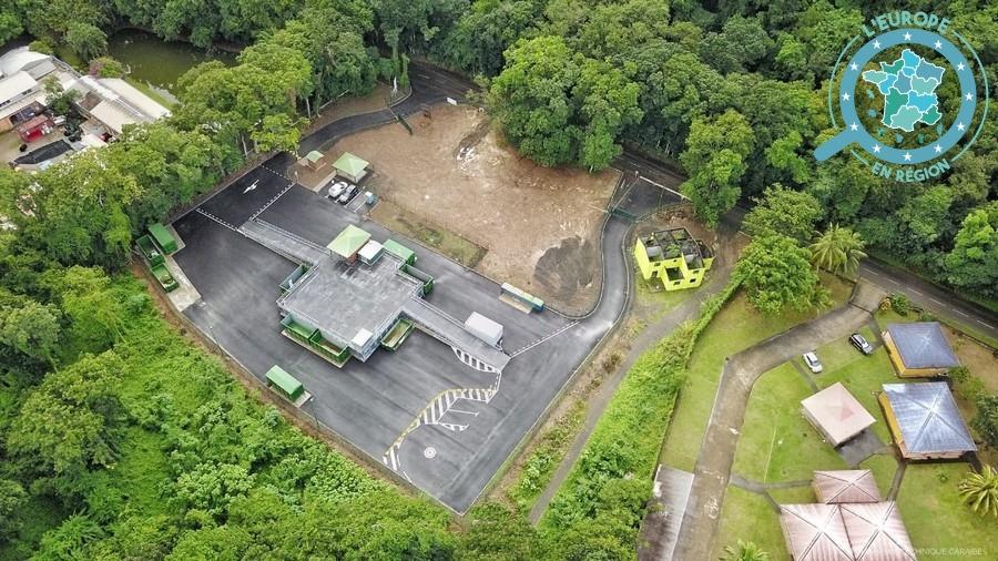 La déchetterie de Pointe-Noire fait partie des différents projets de préservation de l'environnement financés par les fonds européens qui ont récemment vu le jour en Guadeloupe - Crédits : Région Guadeloupe