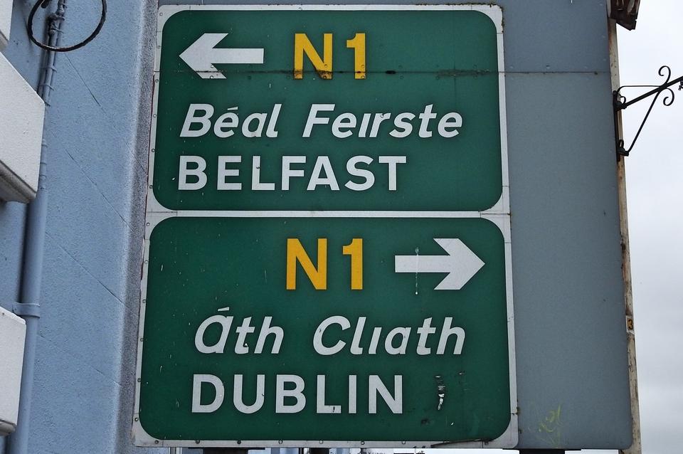 Aujourd'hui, l'île d'Emeraude a deux capitales, une pour la République d'Irlande (Dublin) et une autre pour l'Ulster (Belfast)