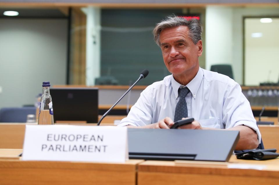 Le Parlement européen, représenté par l'eurodéputé socialiste Juan Fernando López Aguilar hier, avait voté sa position le 28 avril dernier