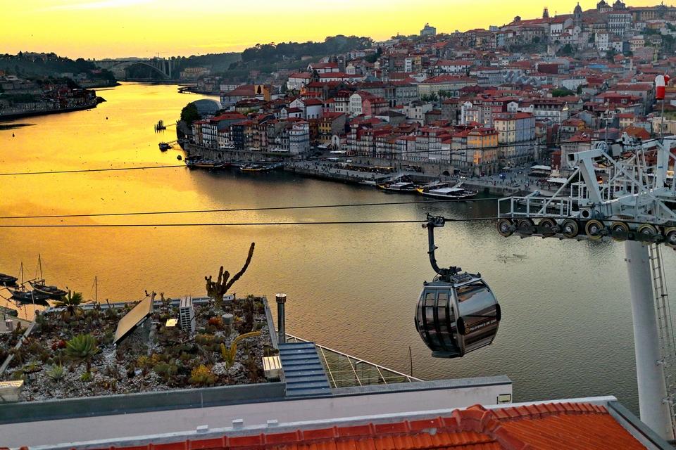 A Porto, l'ambition sera de faire du sommet des Vingt-Sept un tournant pour l'Europe sociale - Crédits : simplethrill / Flickr CC BY-NC-ND 2.0