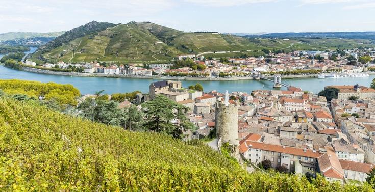 Vue du paysage sur Tain-l'Hermitage et Tournon-sur-Rhône