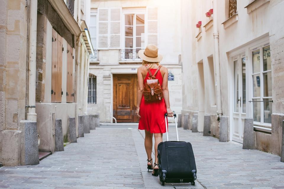 Dans les Etats européens qui se déconfinent, les réservations d'hébergements touristiques reprennent