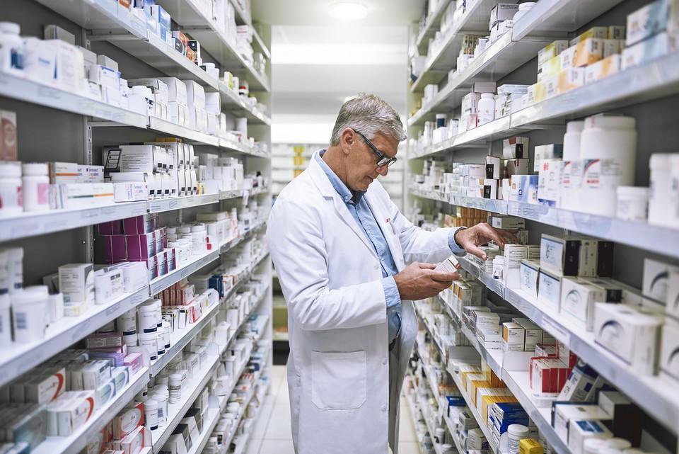 Le site EurosforDocs documente les liens entre laboratoires pharmaceutiques et médecins en Europe - Crédits : Peopleimages / Istock