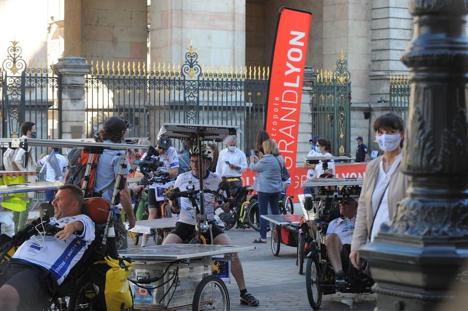 Les participants de l'édition 2021 du Sun Trip se sont retrouvés pour le prologue, qui partait de Lyon le 1er juin - Crédits : Florian Bailly