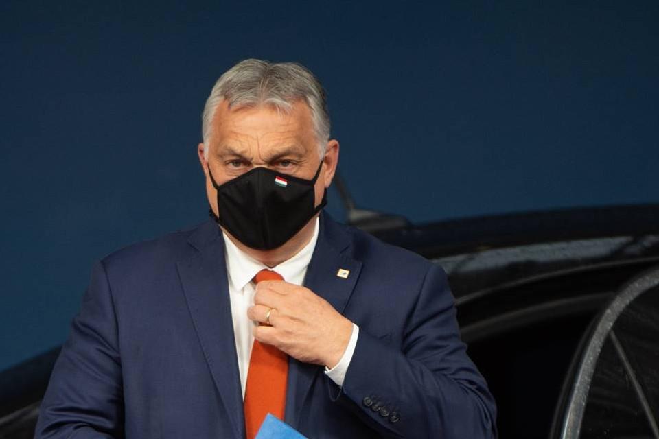 Bruxelles attend du gouvernement hongrois de Viktor Orbán (photo ci-dessus) des progrès sur la lutte contre la corruption, et le retrait d'une loi discriminante envers la communauté LGBT, sans quoi les fonds européens alloués au pays dans le cadre du plan de relance pourraient être suspendus - Crédits : Conseil européen