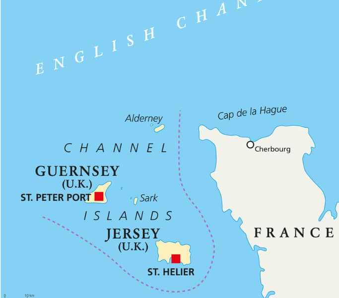 Situées à quelques kilomètres des côtés de la Manche, Jersey et Guernesey ont été le théâtre de tensions
