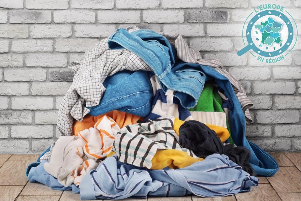 Le CETI ambitionne notamment de mieux recycler les vêtements usagés (image d'illustration)