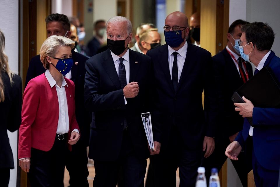 Les équipes du président Joe Biden, ici en visite sur le Vieux Continent en juin dernier, avaient dit faire une priorité de la levée des restrictions à l'entrée des Etats-Unis pour les voyageurs de l'UE