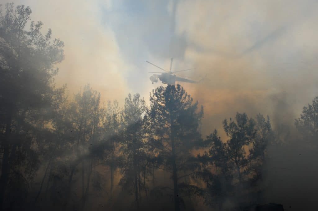 Les îles grecques, comme celle de Rhodes en aout 2021, sont régulièrement victimes d'importants incendies