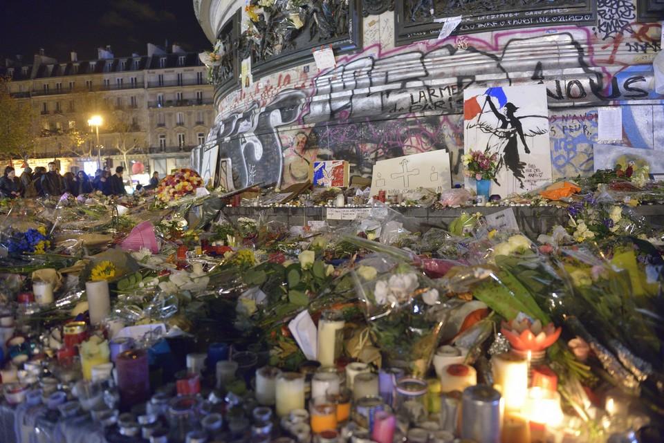 Les attentats du 13 novembre avaient provoqué l'émoi et de longues journées de commémoration dans toute la France comme ici, à Paris - Crédits : jacus /iStock