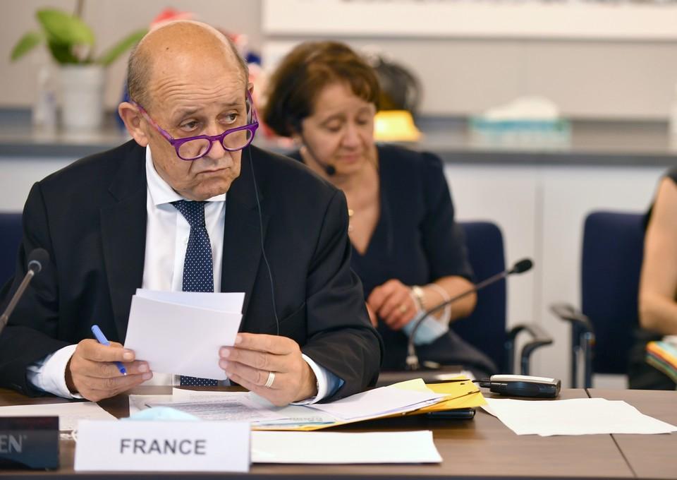 A New York, le ministre français des Affaires étrangères Jean-Yves Le Drian a reçu le soutien de ses homologues européen