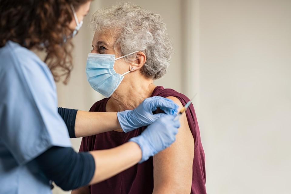 La population européenne bénéficie d'un taux de vaccination comptant parmi les plus élevés au monde - Crédits : Ridofranz / iStock