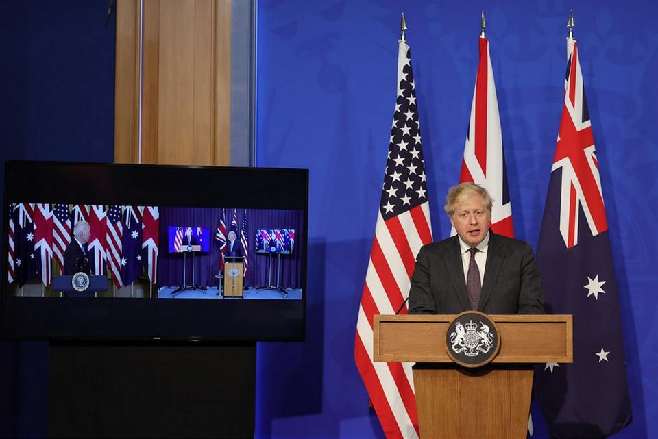 Boris Johnson s'est félicité du nouvel accord conclut avec les Etats-Unis, privilégiant la relation trans-atlantiques aux liens entretenus avec le continent européen