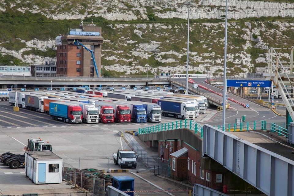 Les marchandises en provenance d'Europe vers le Royaume-Uni transitent notamment par camion via le port de Douvres