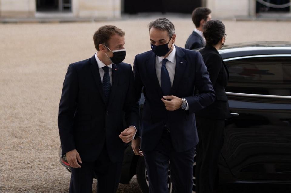 Emmanuel Macron a accueilli le Premier ministre grec Kyriákos Mitsotákis hier à l'Elysée