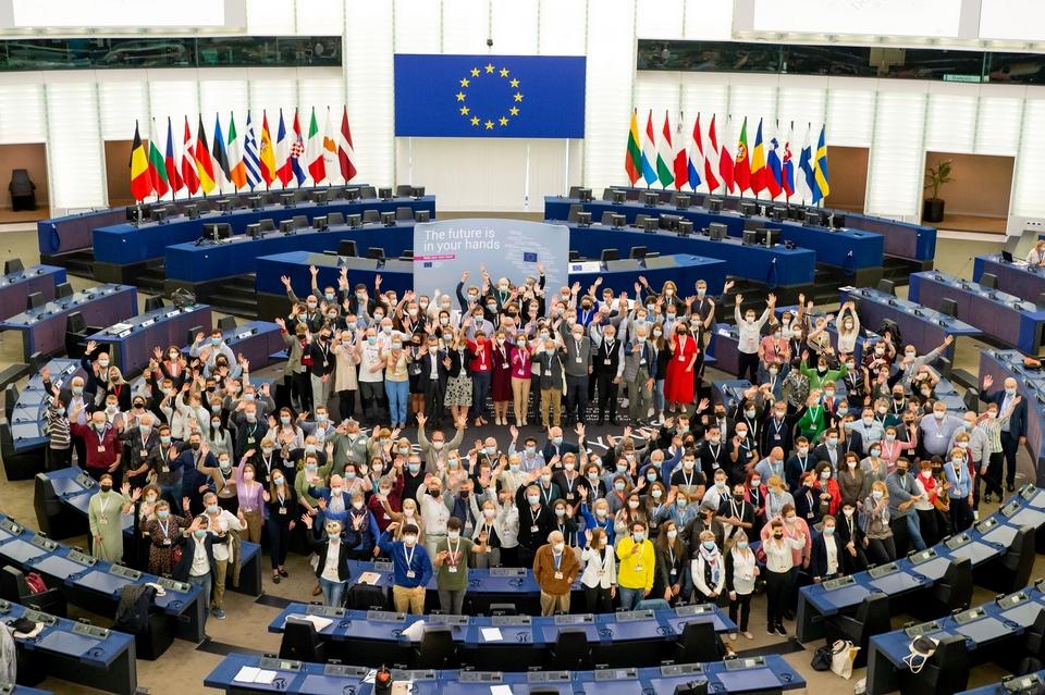 Grecs, Italiens, Portugais... tous les Etats membres étaient représentés pour discuter de démocratie, de sécurité et d'état de droit