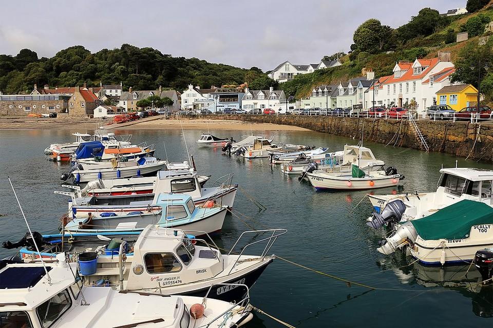 La déclaration commune a été motivée par la décision des autorités de Jersey de n'accorder qu'un nombre limité de licences aux bateaux de pêche français