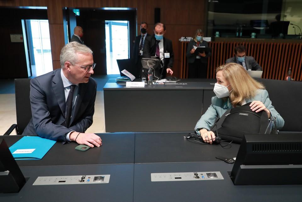 Le ministre français de l'Économie Bruno Le Maire et son homologue espagnol Nadia Calviño ont présenté leurs propositions pour remédier à la hausse des prix de l'énergie