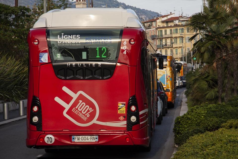 La métropole de Nice va notamment pouvoir compléter son offre de bus avec des véhicules roulant à l'hydrogène