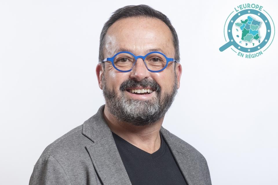 Yannick Neuder est le vice-président délégué à l'enseignement supérieur, recherche, innovation, numérique et fonds européens de la Région Auvergne-Rhône-Alpes